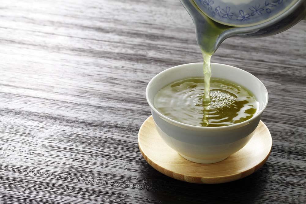 what-to-eat-for-better-skin-green-tea.jpg