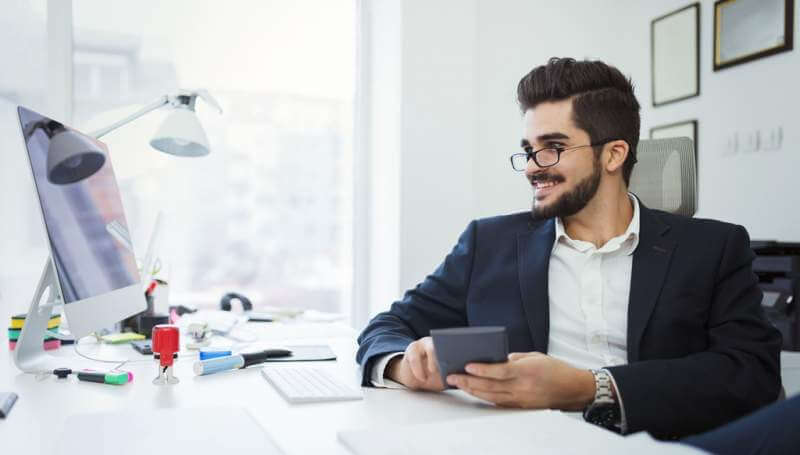 businessman-analyzing-investment-charts